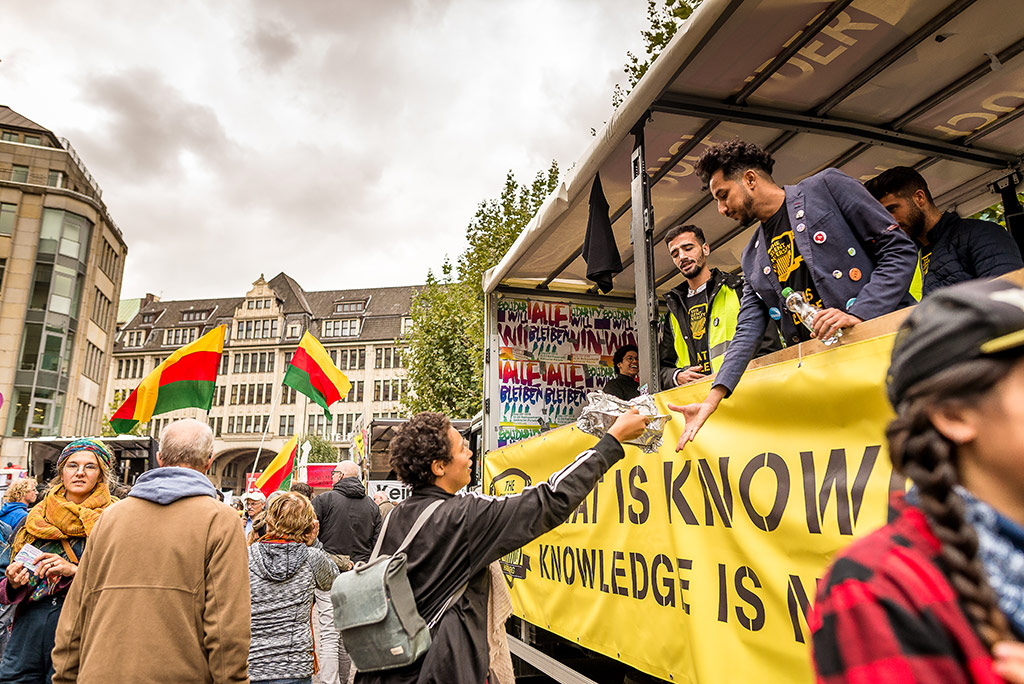We'll Come United-Parade mit TSU-Lkw © Daniel Nide